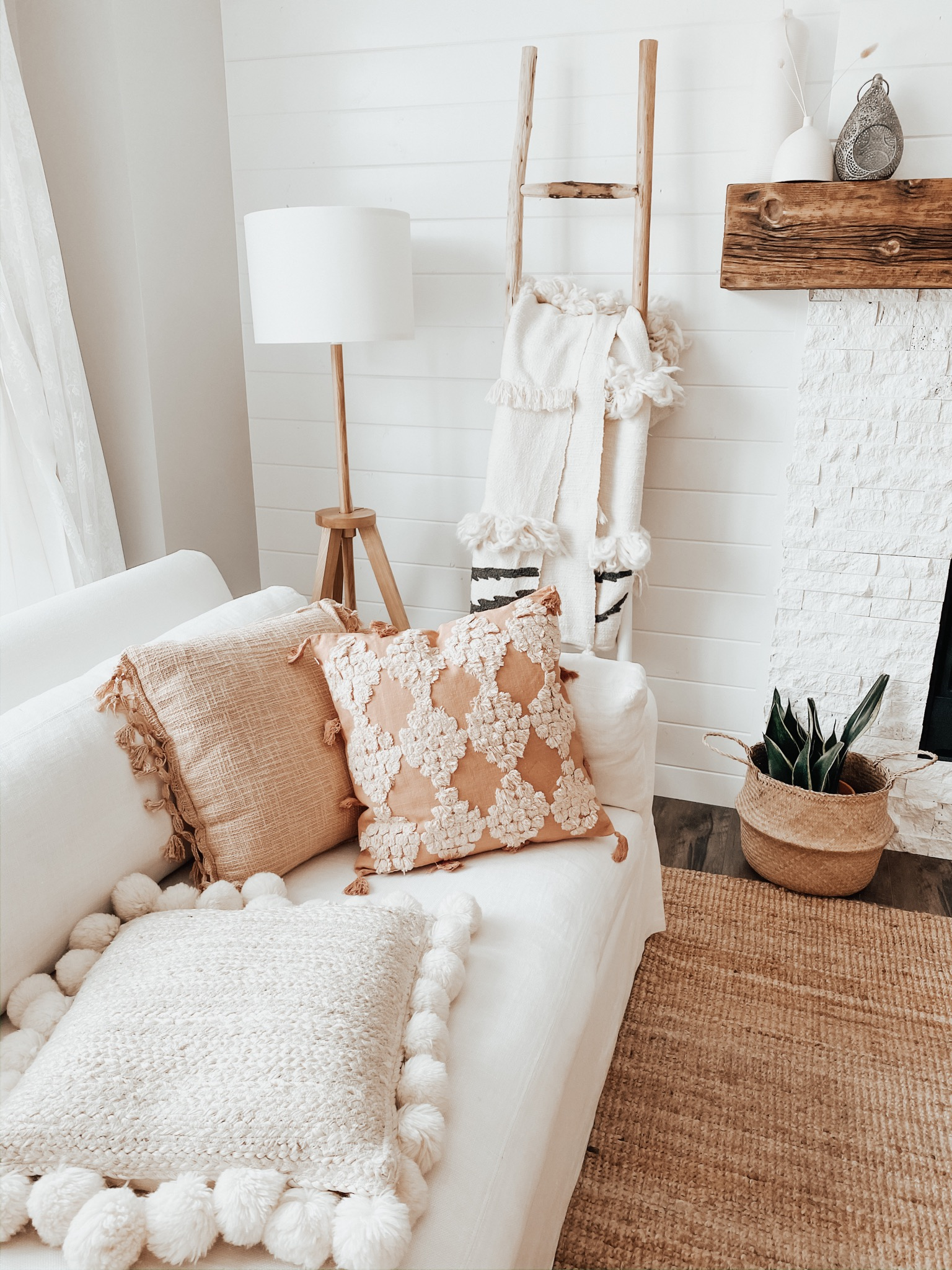 <center>ANTHROPOLOGIE HOME EXTRA 40% OFF SALE! 20% OFF SELECTED</center>